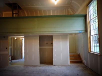 Grange Upstairs, Balcony